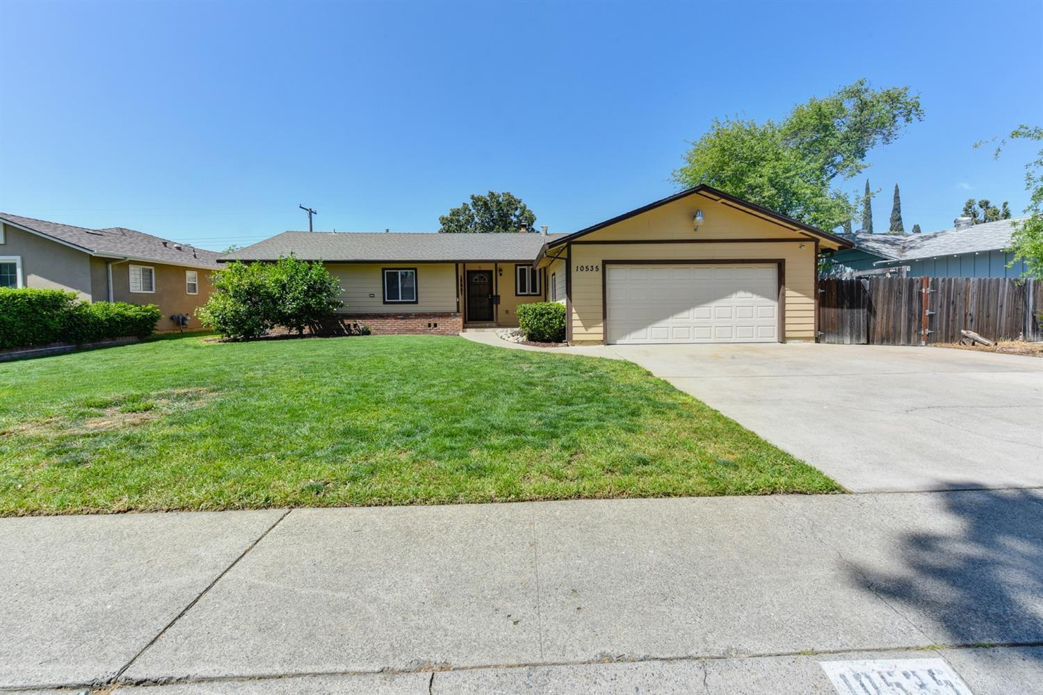 10535 Catawba, 221036207, Rancho Cordova, Attached,  for sale, Realty World - Connect